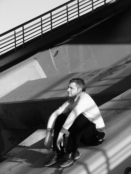 Marius Valiulis su draugu tiltu.