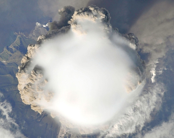 Iš tarptautinės kosmoso stoties pagauti kadrai.